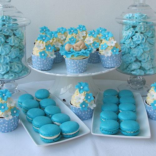 Blå macarons till dop