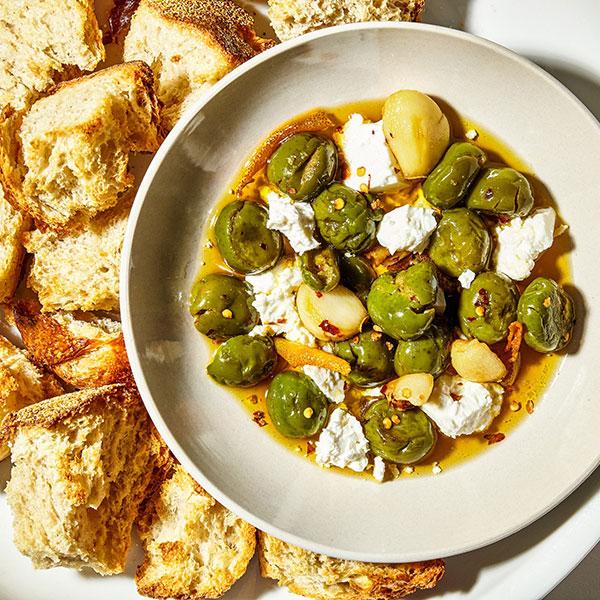 Marinerade oliver med feta ost