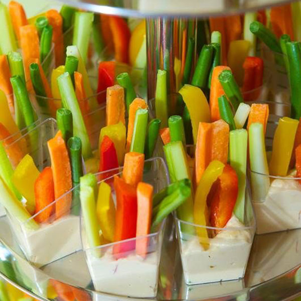 Grönsaksstavar med dipp